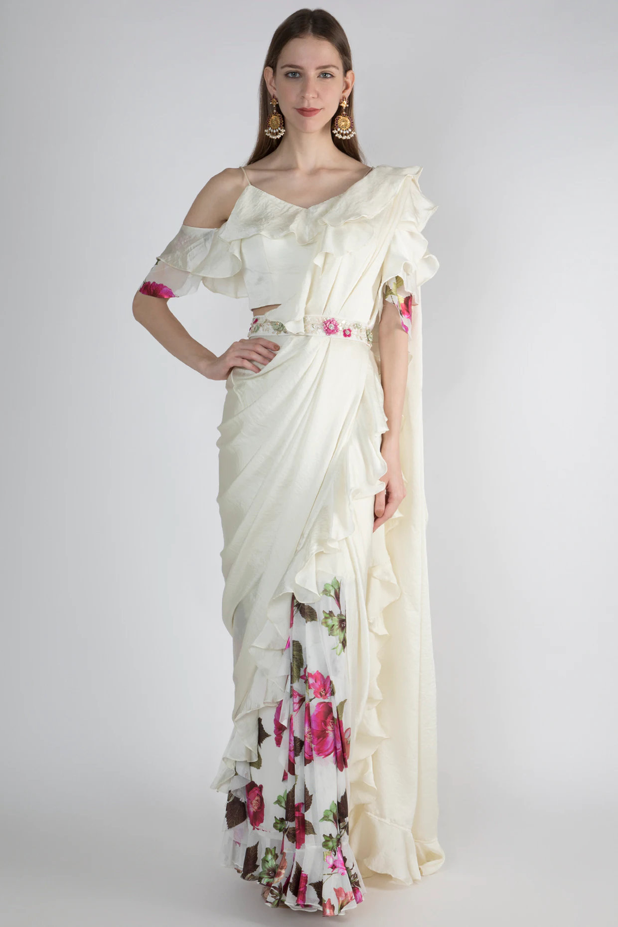 White Printed Saree Set With Embroidered Belt by Gunu Sahni-Handpicked for You