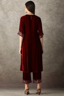 Burgundy Embroidered Kurta With Pants by Namrata Joshipura