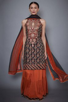 Black & Rust Embroidered Kurta Set by Ri Ritu Kumar