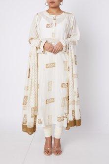 White & Gold Printed Kurta Set by Silk Waves