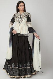 Black Embellished Kurta Set by Shashank Arya