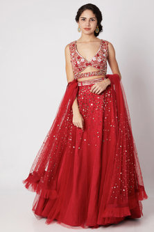 Red Embroidered Lehenga Set With Waist Belt by Tamaraa By Tahani-Shop By Style