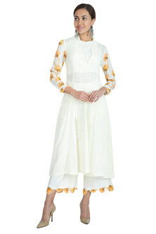 White Crop Top With Embroidered Pants by The Right Cut