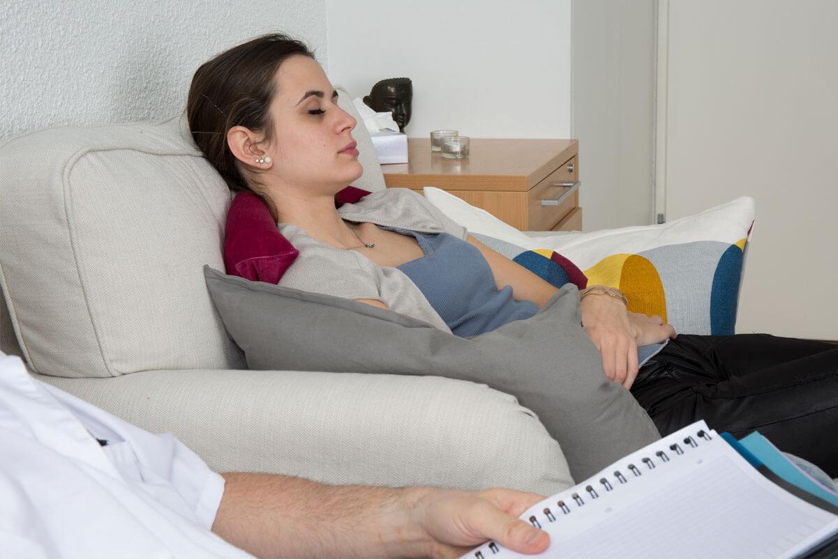 Bisakah Mengatasi Penyakit Psikis dengan Hipnoterapi? Ini Jawabannya