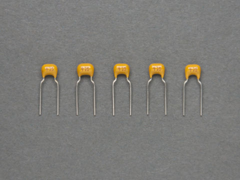 47 pF Ceramic Capacitors - Pack of 5