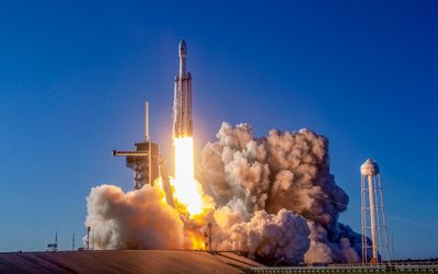 Roket Falcon Heavy  SpaceX /SpaceX\n