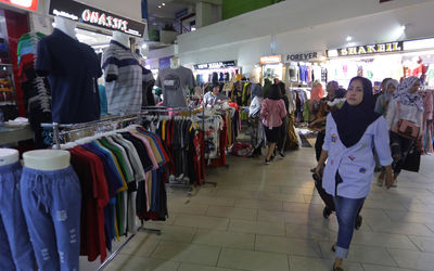 Suasana Pasar Blok A Tanah Abang, Jakarta. Foto: Ismail Pohan/TrenAsia\n