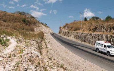 Jalan perbatasan Nusa Tenggaran Timur (NTT) dengan Timor Leste atau dikenal dengan ruas sabuk merah....