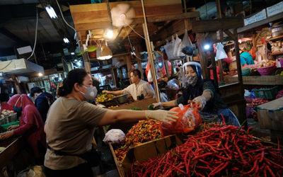 Pemerintah Provinsi (Pemprov) DKI Jakarta membebaskan biaya retribusi maupun sanksi administratif un...