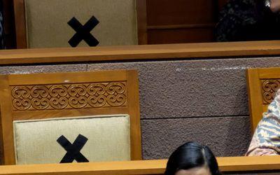 Menteri Keuangan Sri Mulyani hadir dalam Rapat Paripurna DPR di Kompleks Parlemen, Senayan, Jakarta,...