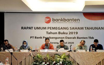 ank Banten gelar Rapat Umum Pemegang Saham Tahunan (RUPST) tahun buku 2019 di Serang (17/7). (Kiri-k...