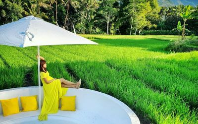 Tempat berfoto di kawasan wisata Svargabumi. Menjadikan lingkungan di sekitar Candi Borobudur sebaga...