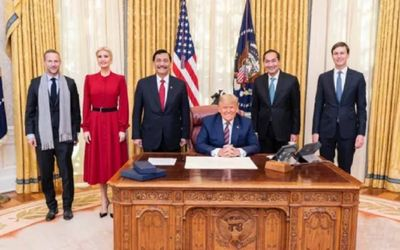 Muhammad Lutfi dengan Donald Trump dan Luhut Pajaitan / Dok. Kemenko Maritim\n