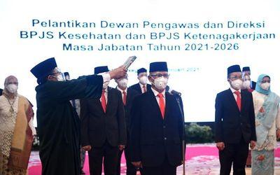 Pelantikan dewan pengawas dan direksi BPJS Kesehatan dan BPJS Ketenagakerjaan oleh Presiden Joko Wid...
