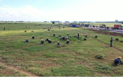Setelah menyelesaikan pembebasan lahan, PT Pertamina (Persero) akan melanjutkan proses pembersihan l...