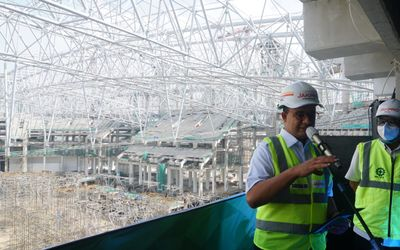 Gubernur DKI Jakarta dalam sambutannya di acara Topping Off (tutup atap) Jakarta International Stadi...