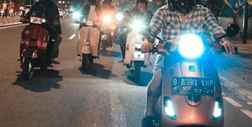 Ilustrasi riding vespa matic / Dok. Scooterjam Rawasari\n