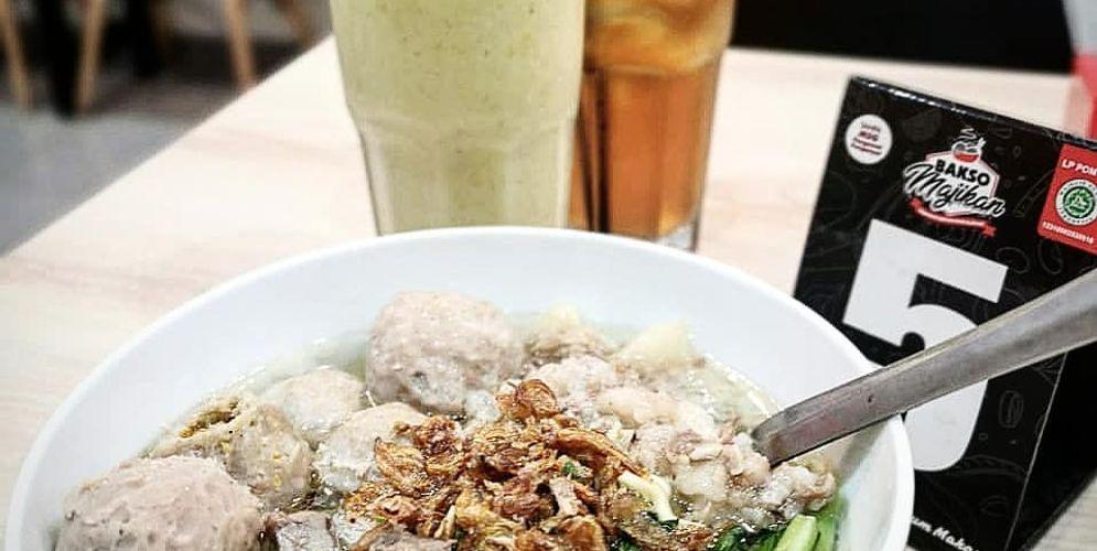Salah satu menu Bakso Spesial Majikan Tuan di Bakso Majikan. / Instagram @baksomajikan\n