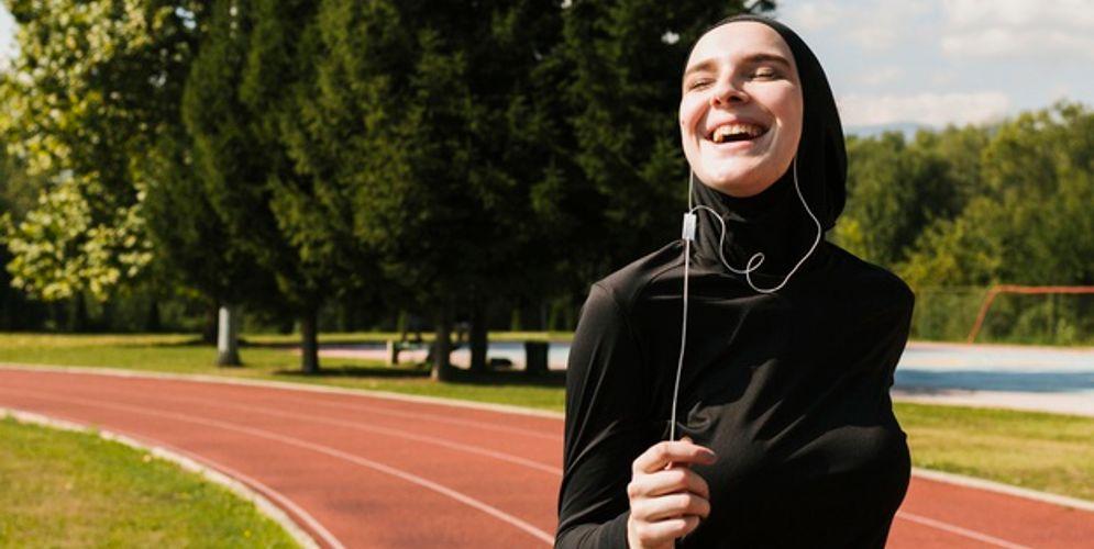 Ilustrasi olahraga saat puasa bulan Ramadan/freepik.com\n
