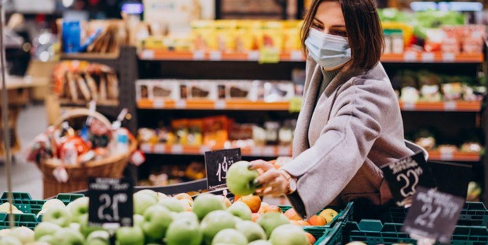 Kasus baru COVID-19 melonjak hingga 8.161, ketahui cara aman berbelanja kebutuhan pokok saat pandemi COVID-19/freepik.com\n