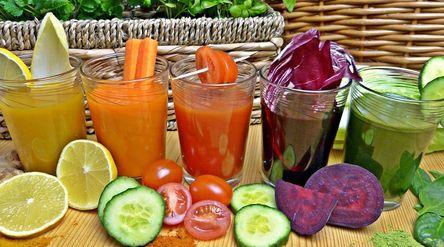Ilustrasi minuman diet untuk puasa. / Pixabay\n