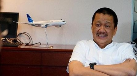 Direktur Utama PT Garuda Indonesia (Persero) Tbk. Irfan Setiaputra. / Facebook @irfan.setiaputra\n