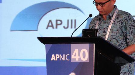 Ketua Umum Asosiasi Penyelenggara Jasa Internet Indonesia (APJII) Jamalul Izza/ twitter @apnic\n