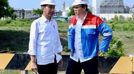 Presiden Joko Widodo (Jokowi) dengan Komisaris Utama PT Pertamina (Persero) Basuki Tjahaja Purnama (...