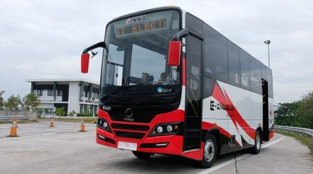 Bus listrik E-INOBUS merupakan kerja sama PT INKA (Persero) dengan Tron-E dari Taiwan dan Piala Mas ...