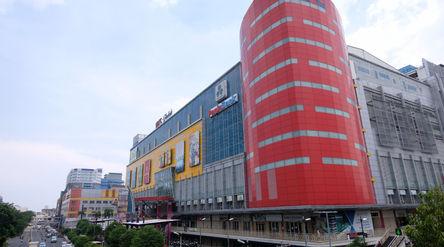 Suasana Mall LTC Glodok, Jakarta, Selasa, 20 Oktober 2020. Foto: Ismail Pohan/TrenAsia\n