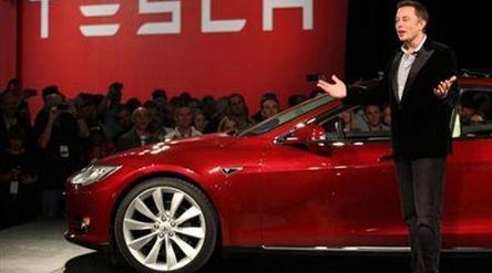 Bos mobil listrik Tesla, Elon Musk / Reuters\n