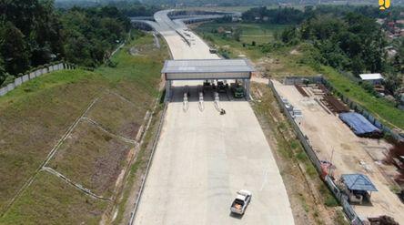 Persiapan pembangunan Jalan Tol Serang – Panimbang Seksi 3 Ruas Cileles – Panimbang sepanjang ...