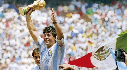 Diego Maradona saat membela TImnas Argentina/Twitter\n