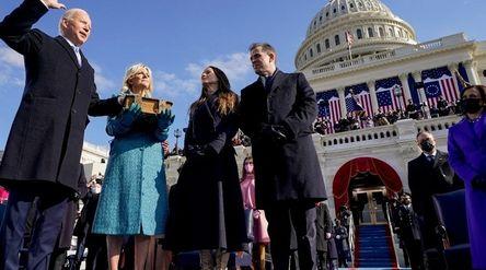 Joe Biden dari Partai Demokrat pada Rabu, 20 Januari 2021, resmi dilantik sebagai Presiden ke-46 Ame...