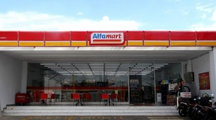 Ritel Alfamart milik PT Sumber Alfaria Trijaya Tbk (AMRT) / Alfamart.co.id\n