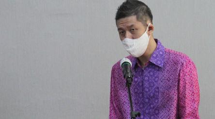 CEO & Cofounder Halodoc Jonathan Sudharta memberikan sambutan saat penandatanganan MOU antara K...