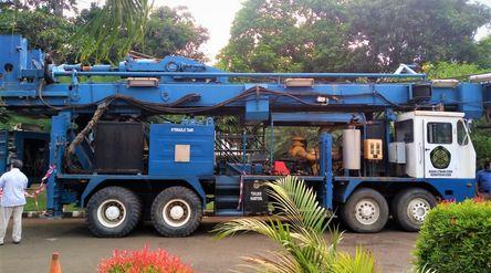 Badan Litbang Kementerian Energi dan Sumber Daya Mineral (ESDM) memodifikasi Rig Hydraulic guna kepe...