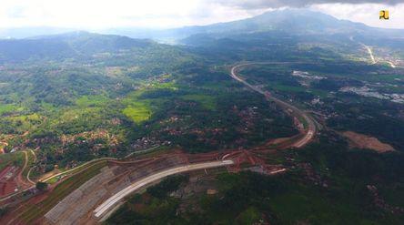 Kementerian Pekerjaan Umum dan Perumahan Rakyat (PUPR) tengah mendorong agar pembangunan Jalan Tol C...