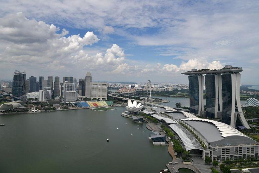 Singapura/The Straits Times)\n