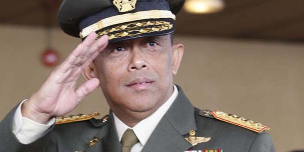 Jenderal (Purn) Djoko Santoso saat masih menjadi Pangiima TNI\n