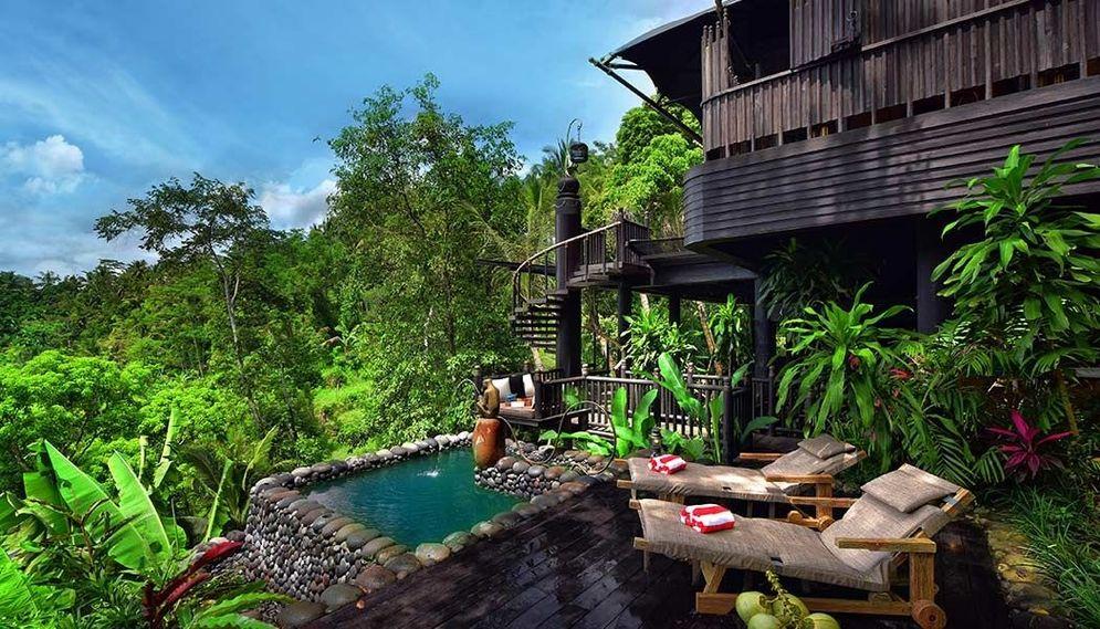 Hotel Capella Ubud, milik warga Indonesia, yang baru dua tahun beroperasi di desa Keliki, Tegalalang, Kabupaten Gianyar, Bali. / Twitter @CapellaUbud\n