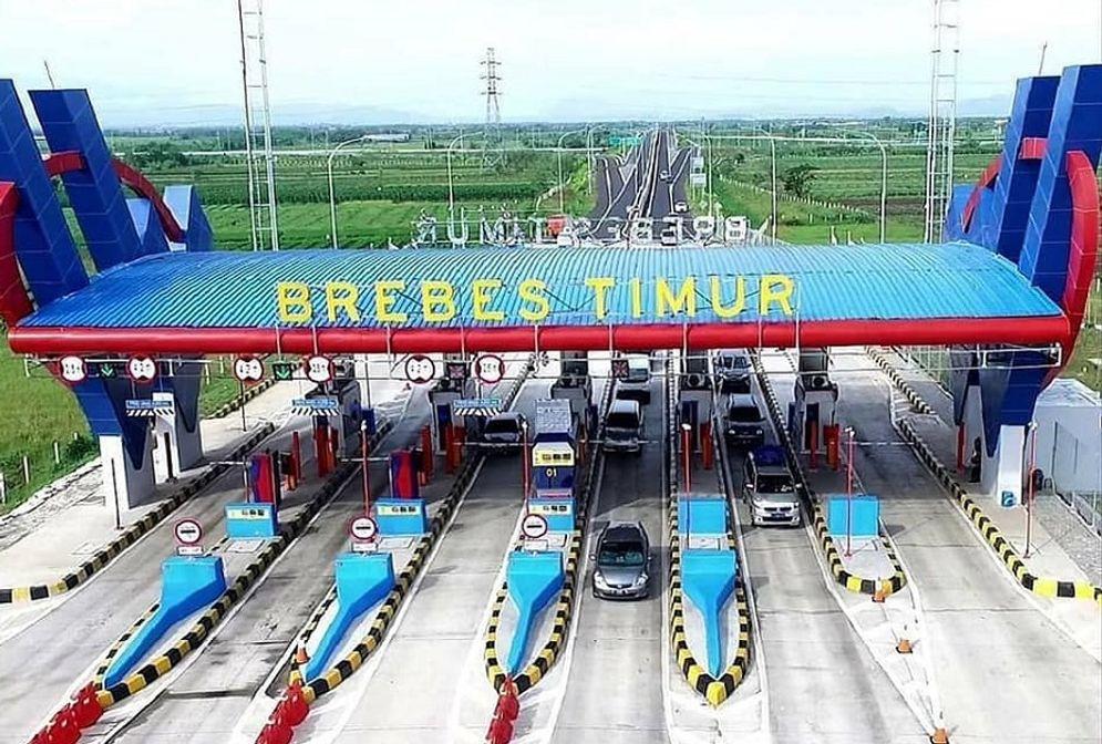 Proyek exit tol Brebes Timur yang dibangun oleh PT Waskita Karya Toll Road, anak usaha PT Waskita Karya (Persero) Tbk (WSKT) / Facebook @WASKITAKARYA\n