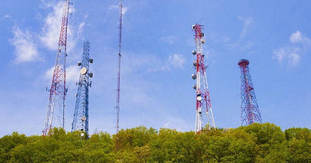 Ilustrasi BTS Menara Telekomunikasi / Shutterstock\n