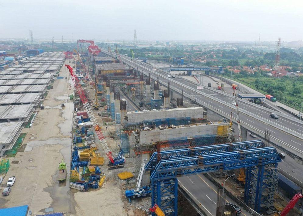 Proyek pembangunan infrastruktur Kereta Api Cepat Jakarta Bandung / Kcic.co.id\n