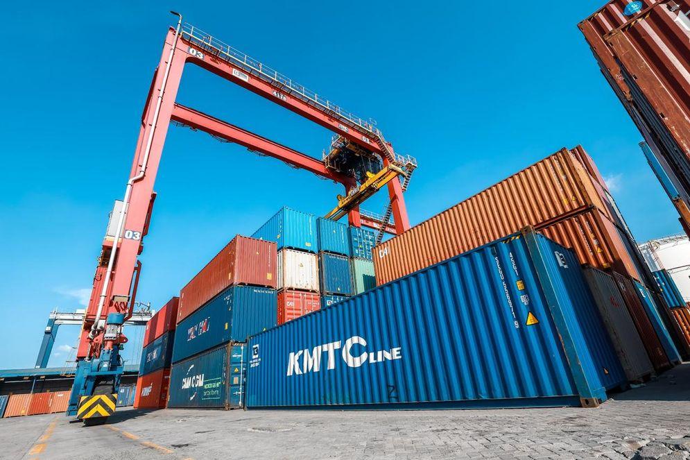 Kegiatan Ekspor dan Impor/ Sumber: Direktorat Jenderal Bea dan Cukai\n