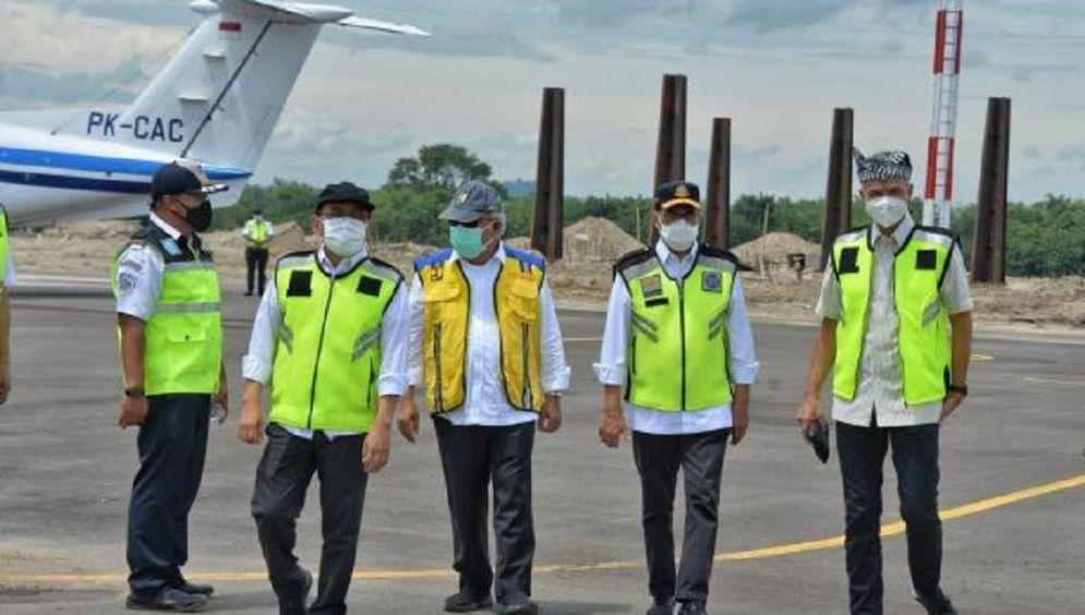 Peninjauan Bandara Ngloram Cepu, Jawa Tengah / Dok. Kemenhub\n
