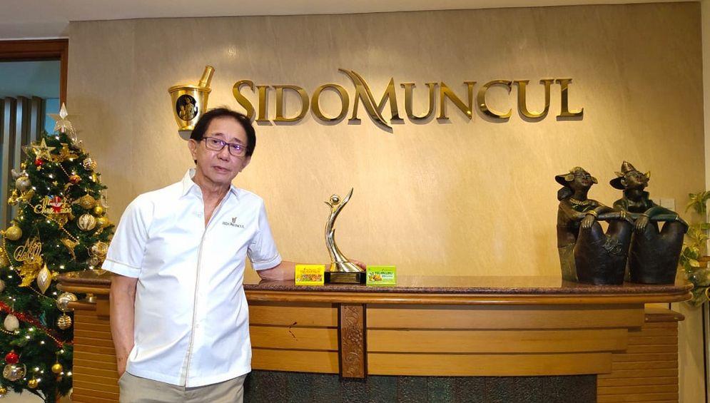 Konglomerat pemilik PT Industri Jamu dan Farmasi Sido Muncul Tbk (SIDO) dengan merek Tolak Angin, Irwan Hidayat. / Foto: Sidomuncul.co.id\n