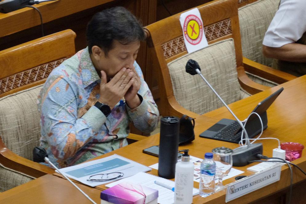 Menteri Kesehatan, Budi Gunadi hadir pada rapat kerja dengan Komisi IX DPR di kompleks Parlemen, Senayan, Jakarta, Senin, 15 Maret 2021. Foto: Ismail Pohan/TrenAsia\n