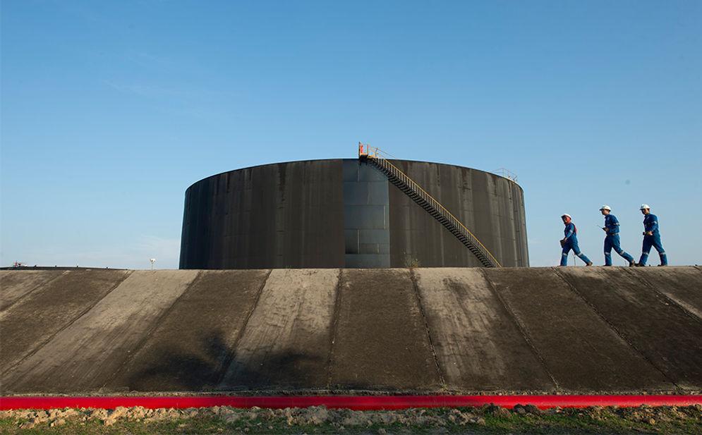 Tangki penyimpanan minyak PT Chevron Pasific Indonesia di Dumai, Riau. / Chevron\n