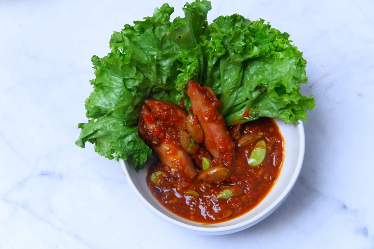 Rekomendasi Rumah Makan Ayam Pencok 89, Menu Makanan Pedas yang Menggugah Selera